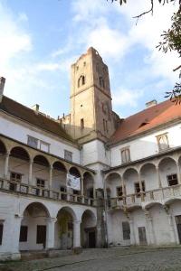 Břeclavský zámek s vyhlídkovou věží