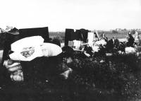Břeclavští Židé vystěhovaní na státní hranici, listopad 1938