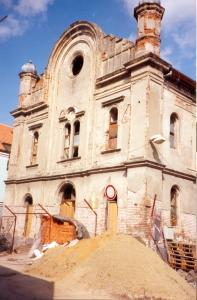 Synagoga před rekonstrukcí, 1998